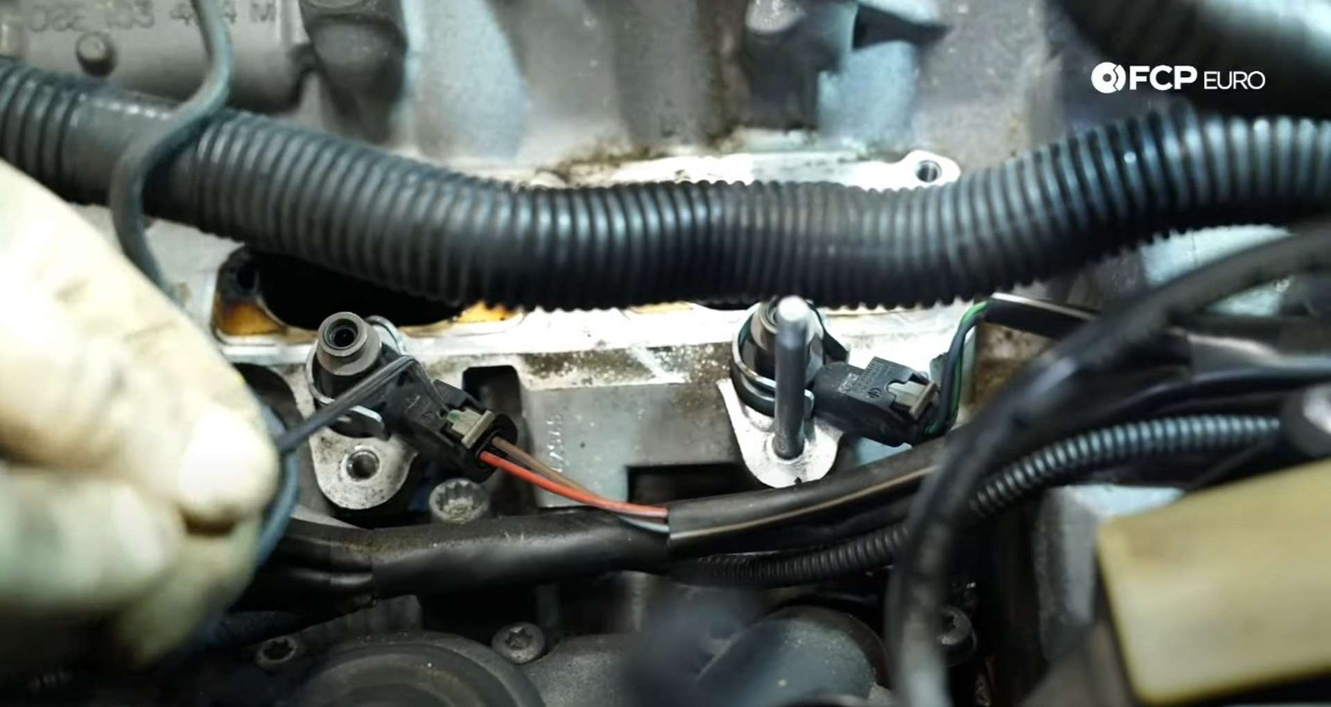 DIY Audi 3.0T PCV/AOS Replacement disconnecting the fuel injector harness