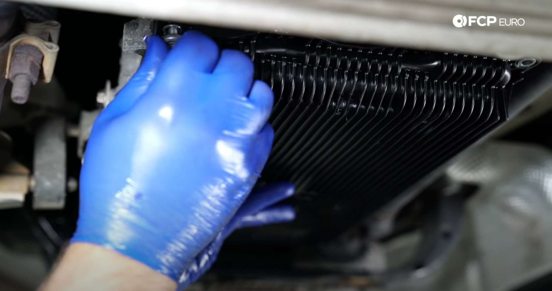 DIY BMW ZF 8HP Oil Change installing the new oil pan