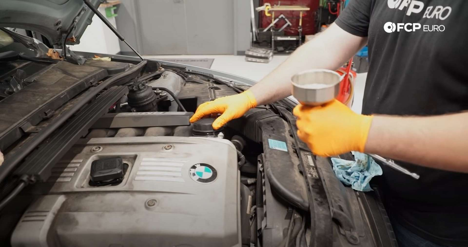 DIY BMW E9X Oil Filter Gasket Replacement removing the oil filter cap