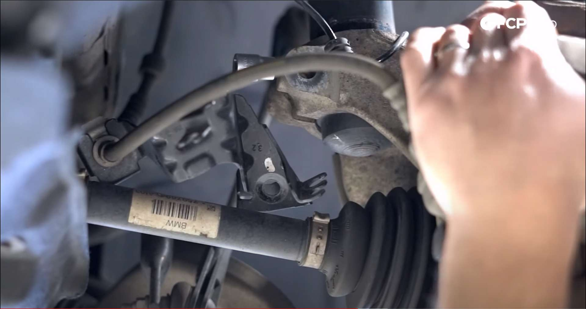 DIY BMW F30 xDrive Coilovers grabbing and moving knuckle