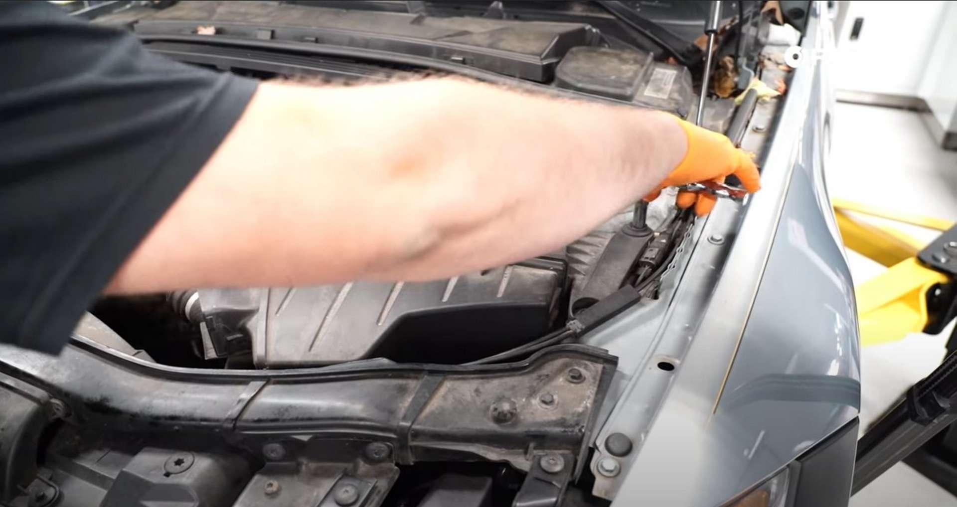 DIY BMW N52 Drive Belt Replacement removing the intake snorkel