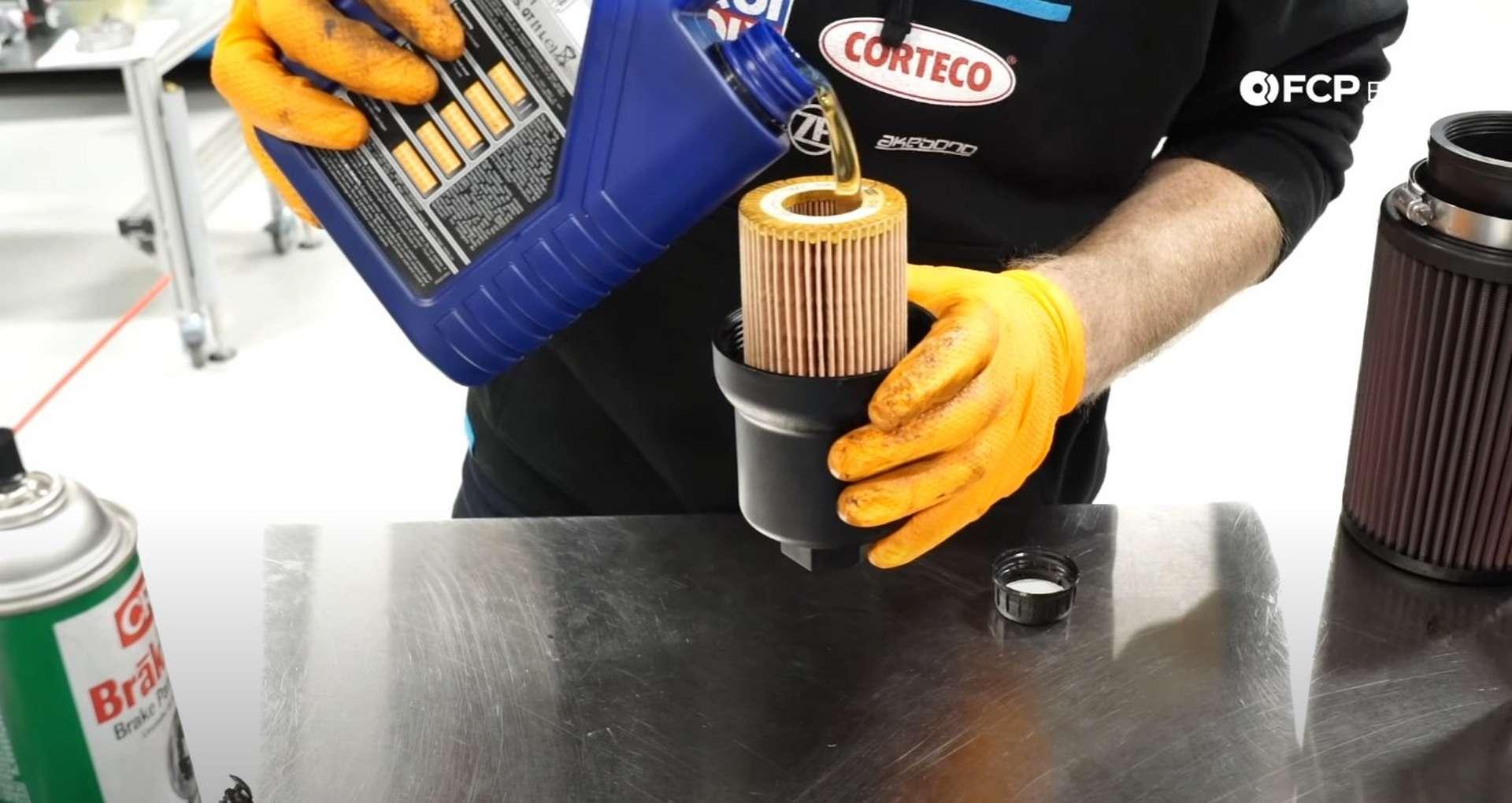 40-DIY-Mk5-GTI-Oil-FIlter-Housing_Refilling-Fluids