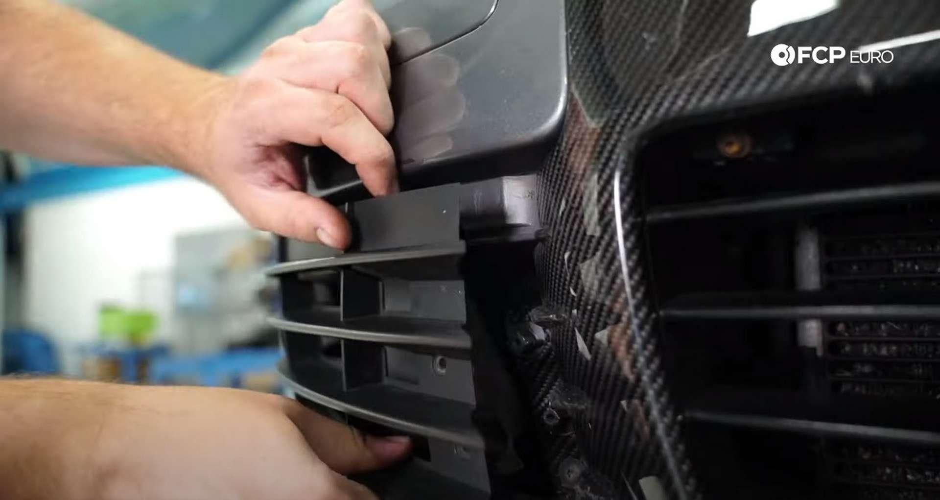04-DIY-VW-VR6-Valve-Cover-Gasket-Entering-Service-Position