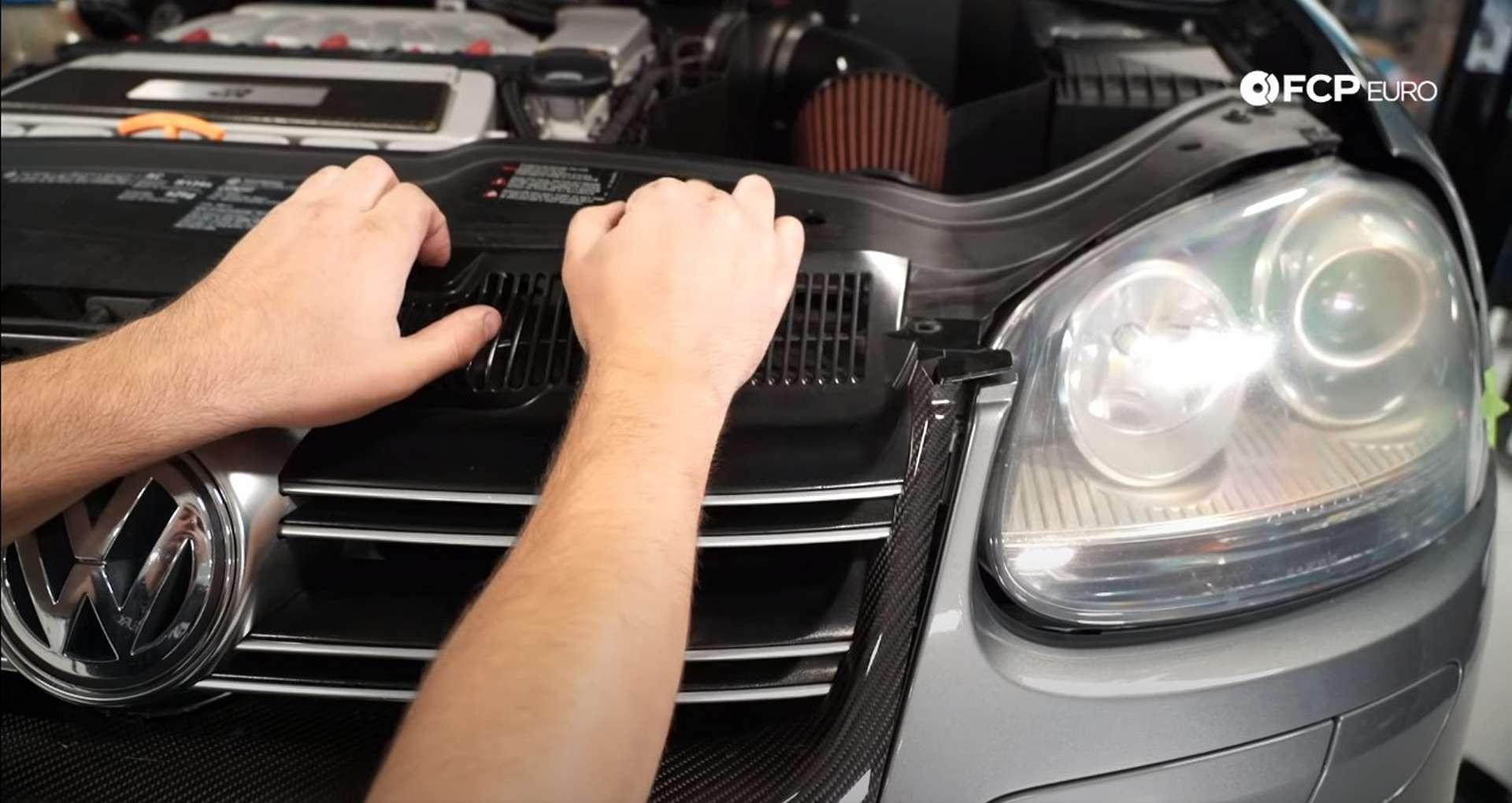 10-DIY-VW-VR6-Valve-Cover-Gasket-Entering-Service-Position