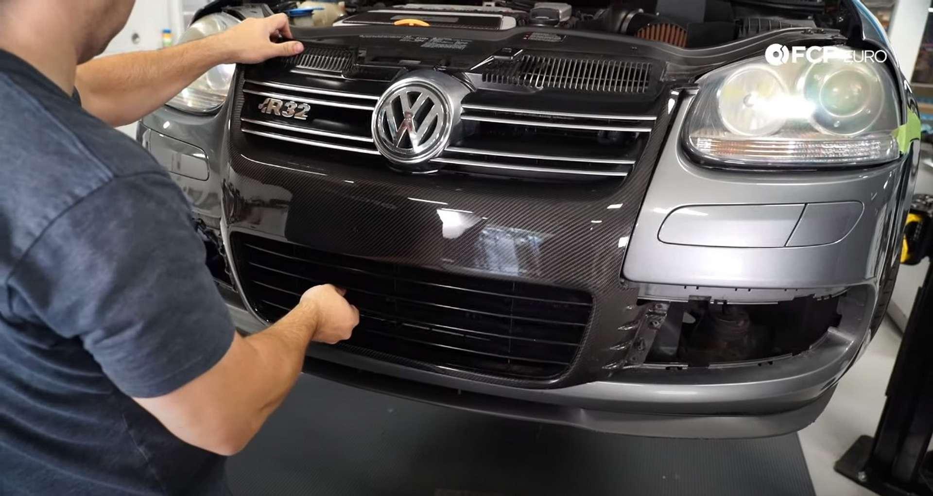 11-DIY-VW-VR6-Valve-Cover-Gasket-Entering-Service-Position