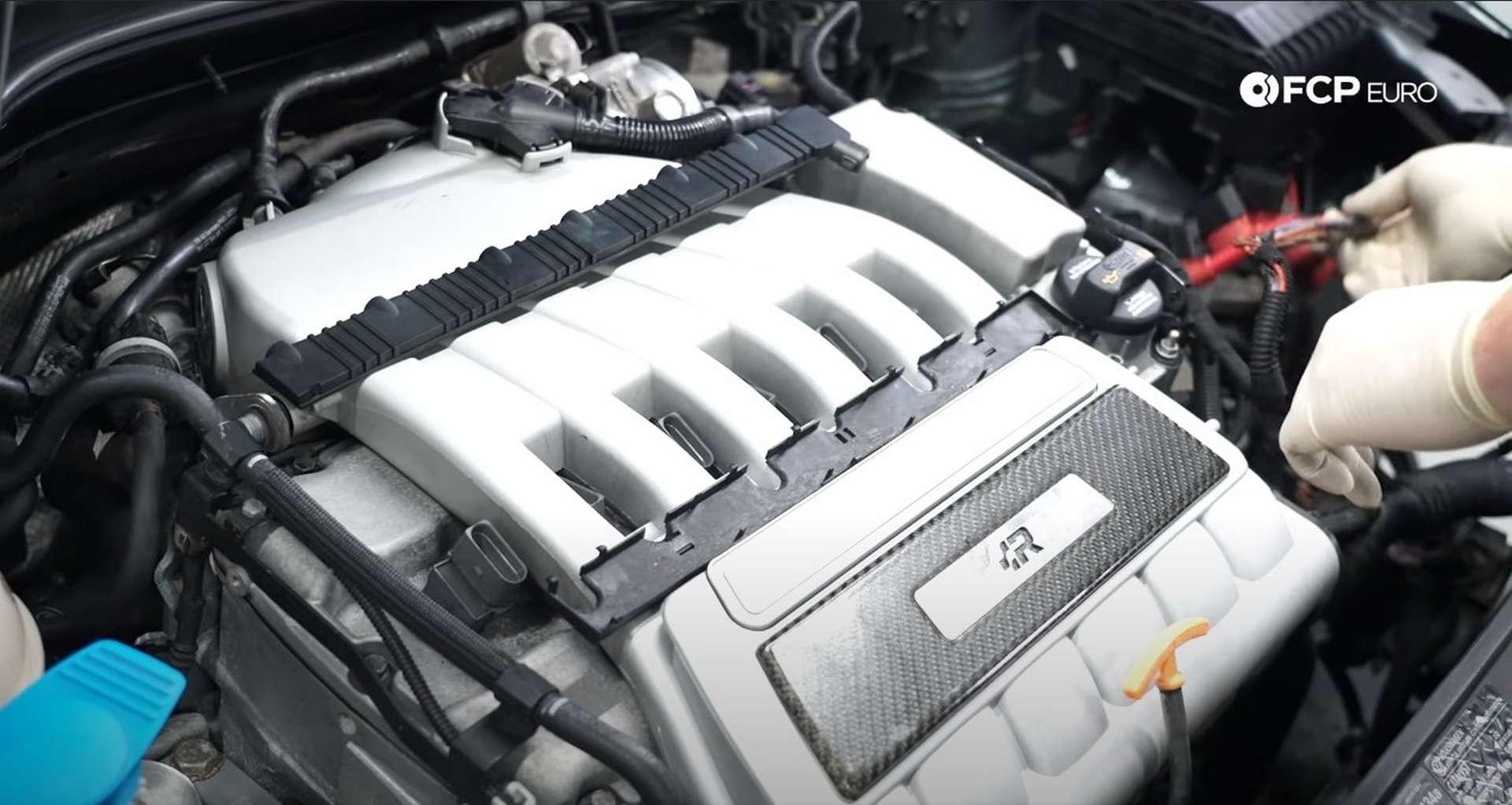 24-DIY-VW-VR6-Valve-Cover-Gasket-Clearing-Engine