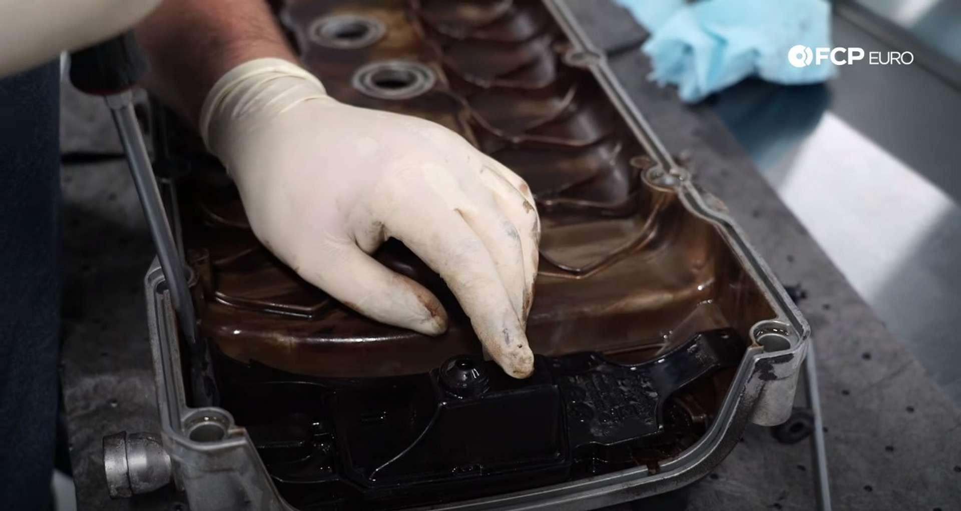 42-DIY-VW-VR6-Valve-Cover-Gasket-Replacing-Gasket
