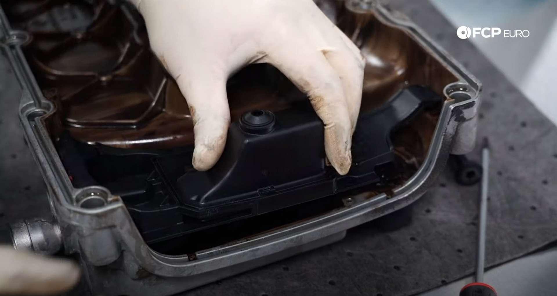 43-DIY-VW-VR6-Valve-Cover-Gasket-Replacing-Gasket