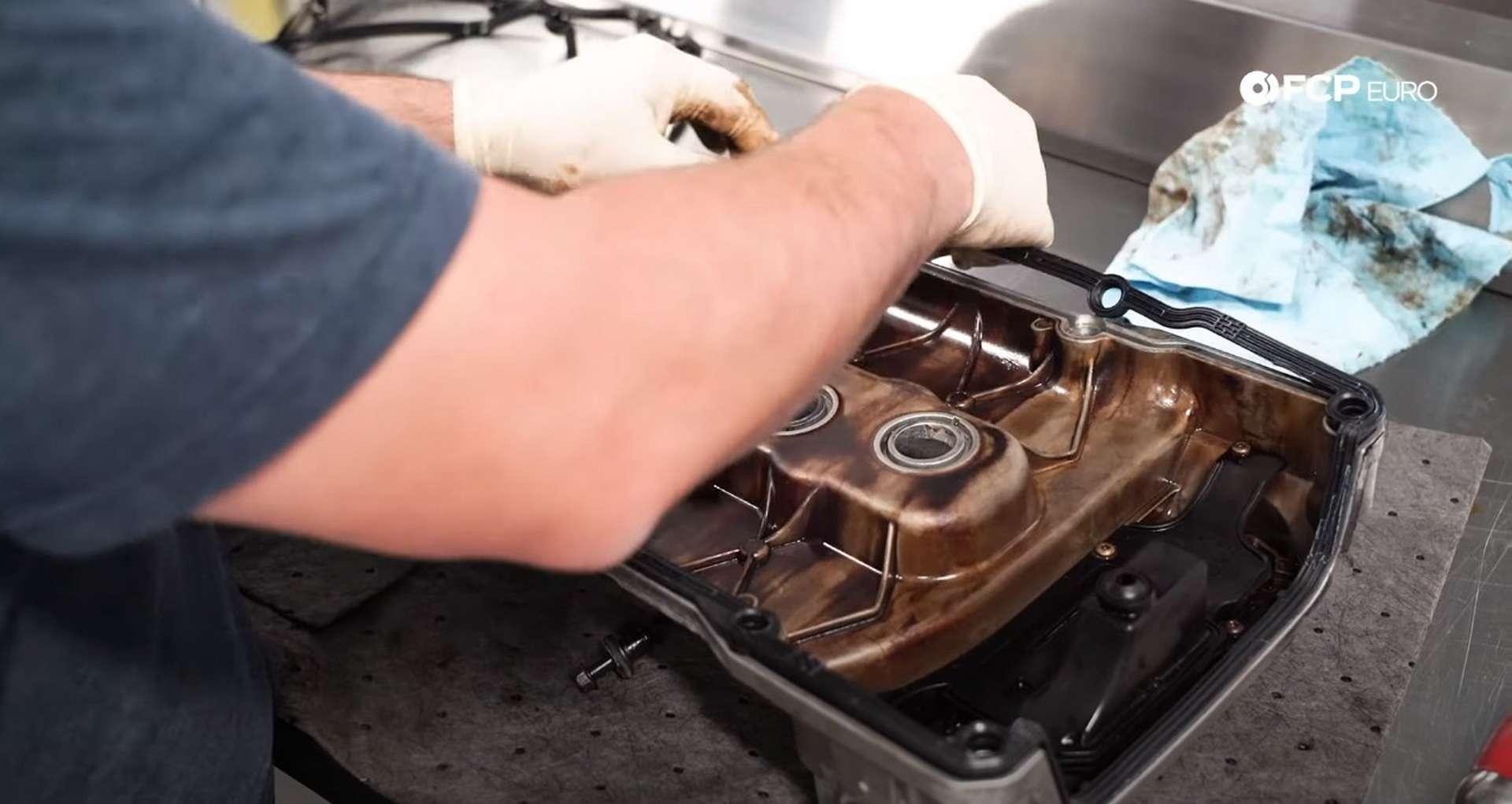 46-DIY-VW-VR6-Valve-Cover-Gasket-Replacing-Gasket
