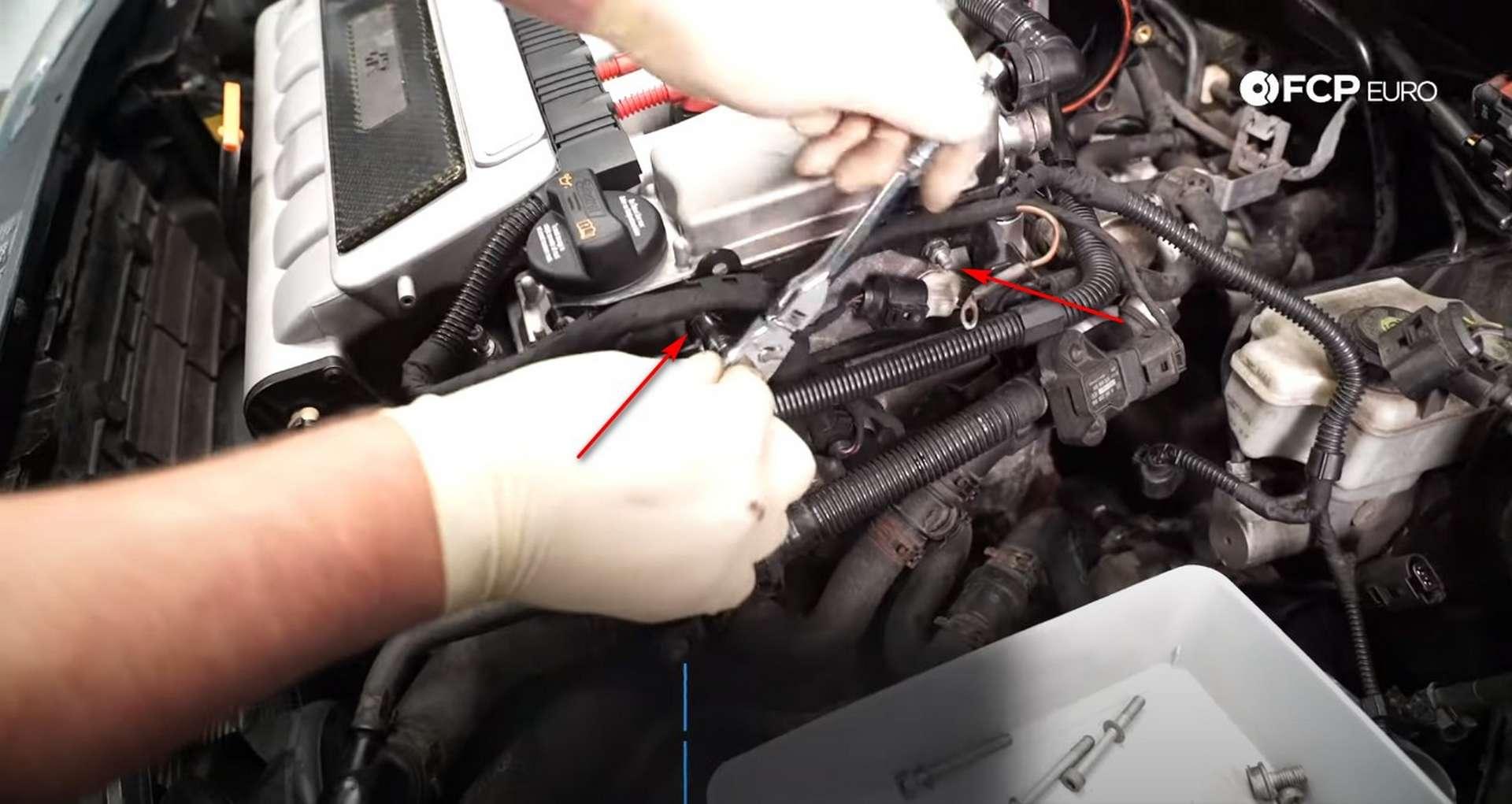 55-DIY-VW-VR6-Valve-Cover-Gasket-Redressing-Engine