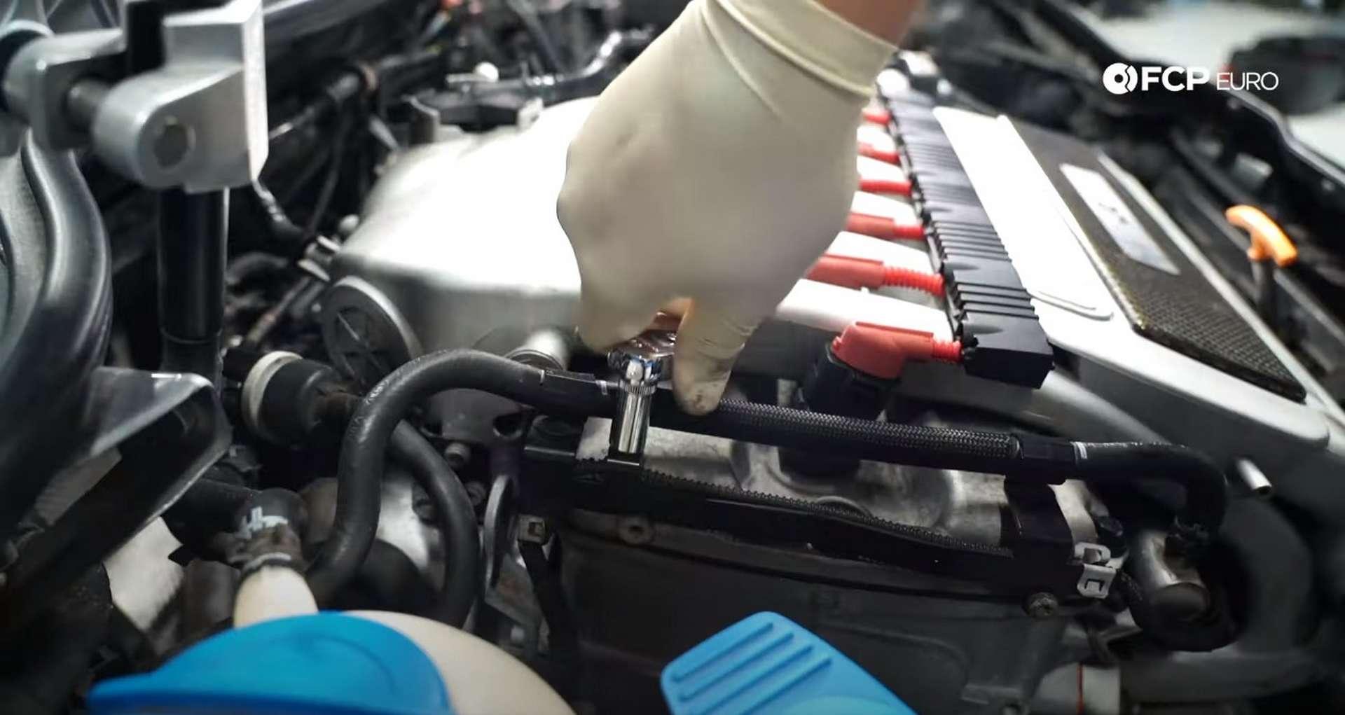 57-DIY-VW-VR6-Valve-Cover-Gasket-Redressing-Engine