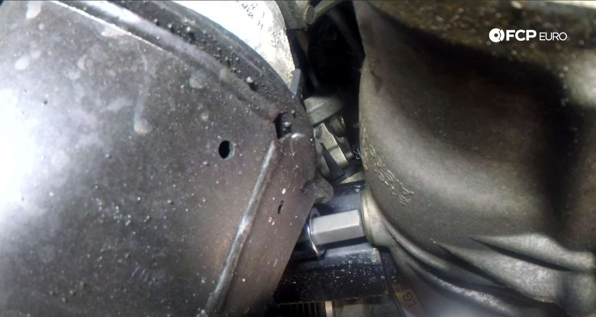 DIY BMW F30 Front Differential Fluid Replacement removing the fill plug