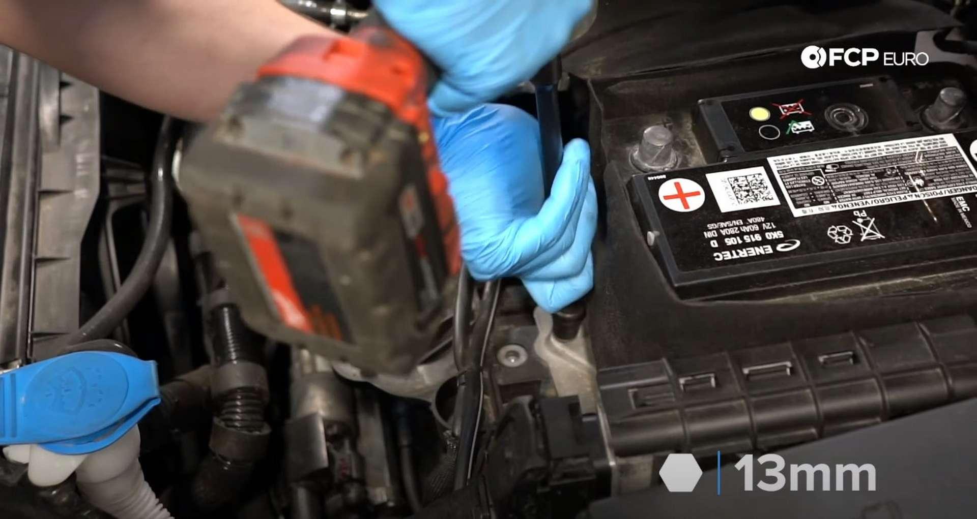 04-DIY_VW_GTI_Clutch-Job-Removing-Battery