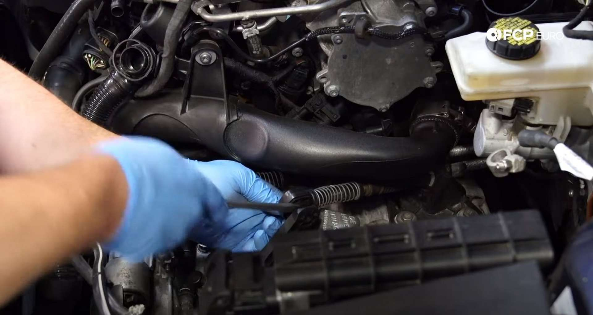 07-DIY_VW_GTI_Clutch-Job-Prepping-Topside-Transmission