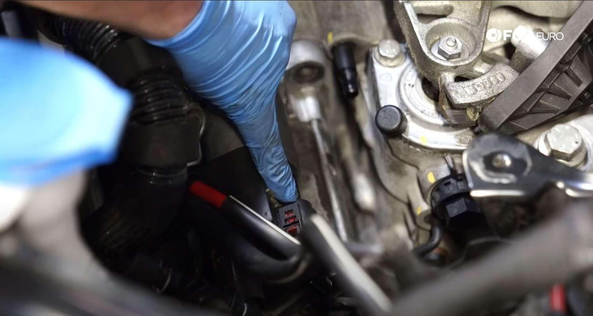 16-DIY_VW_GTI_Clutch-Job-Prepping-Topside-Transmission