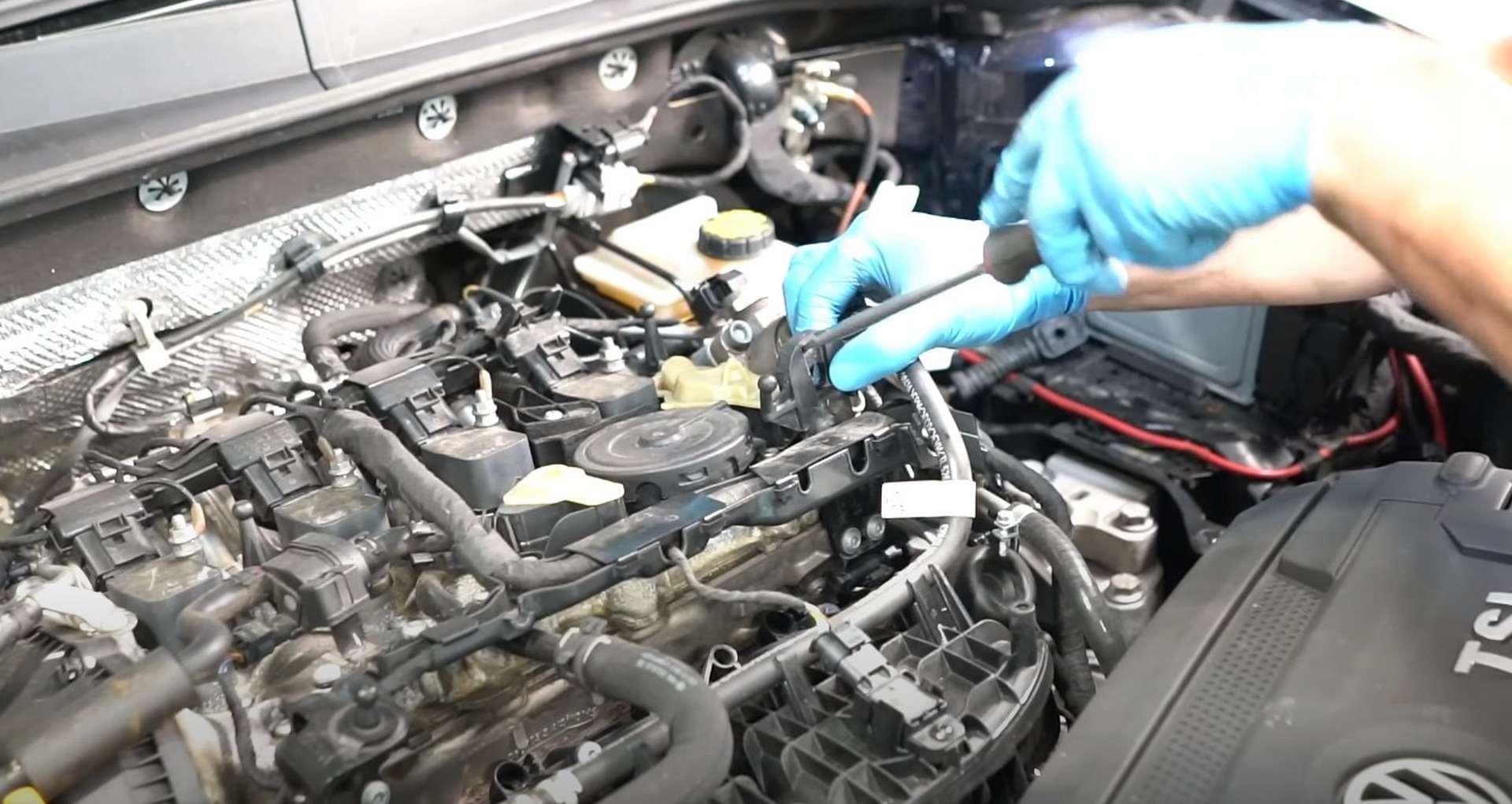 39-DIY_VW_GTI_Clutch-Job-Supporting-Engine