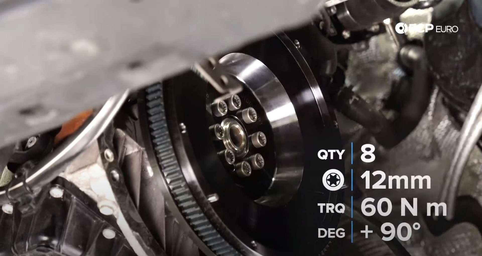 47-DIY_VW_GTI_Clutch-Job-Installing-Clutch