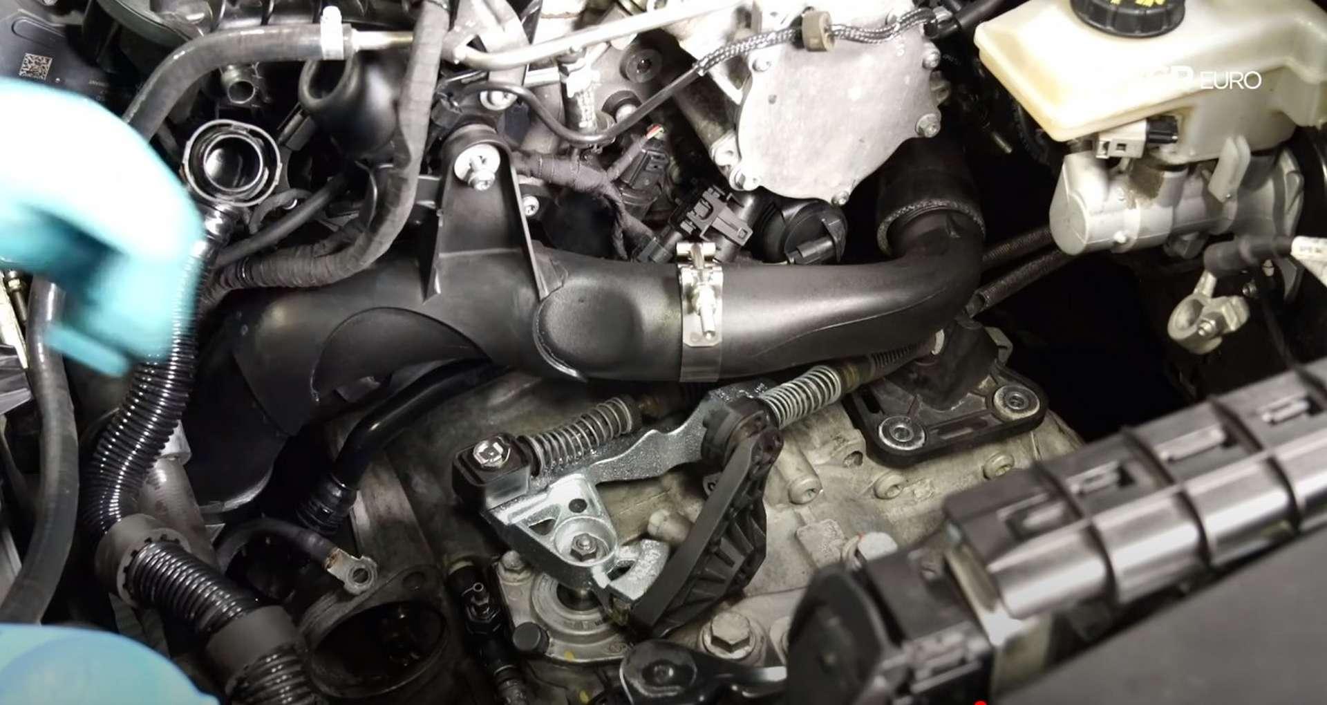 59-DIY_VW_GTI_Clutch-Job-Reinstalling-Starter