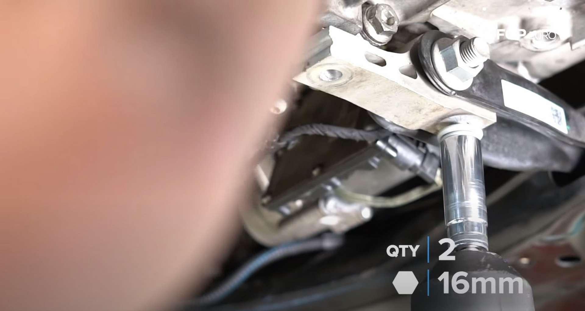 66-DIY_VW_GTI_Clutch-Job-Reinstalling-Starter