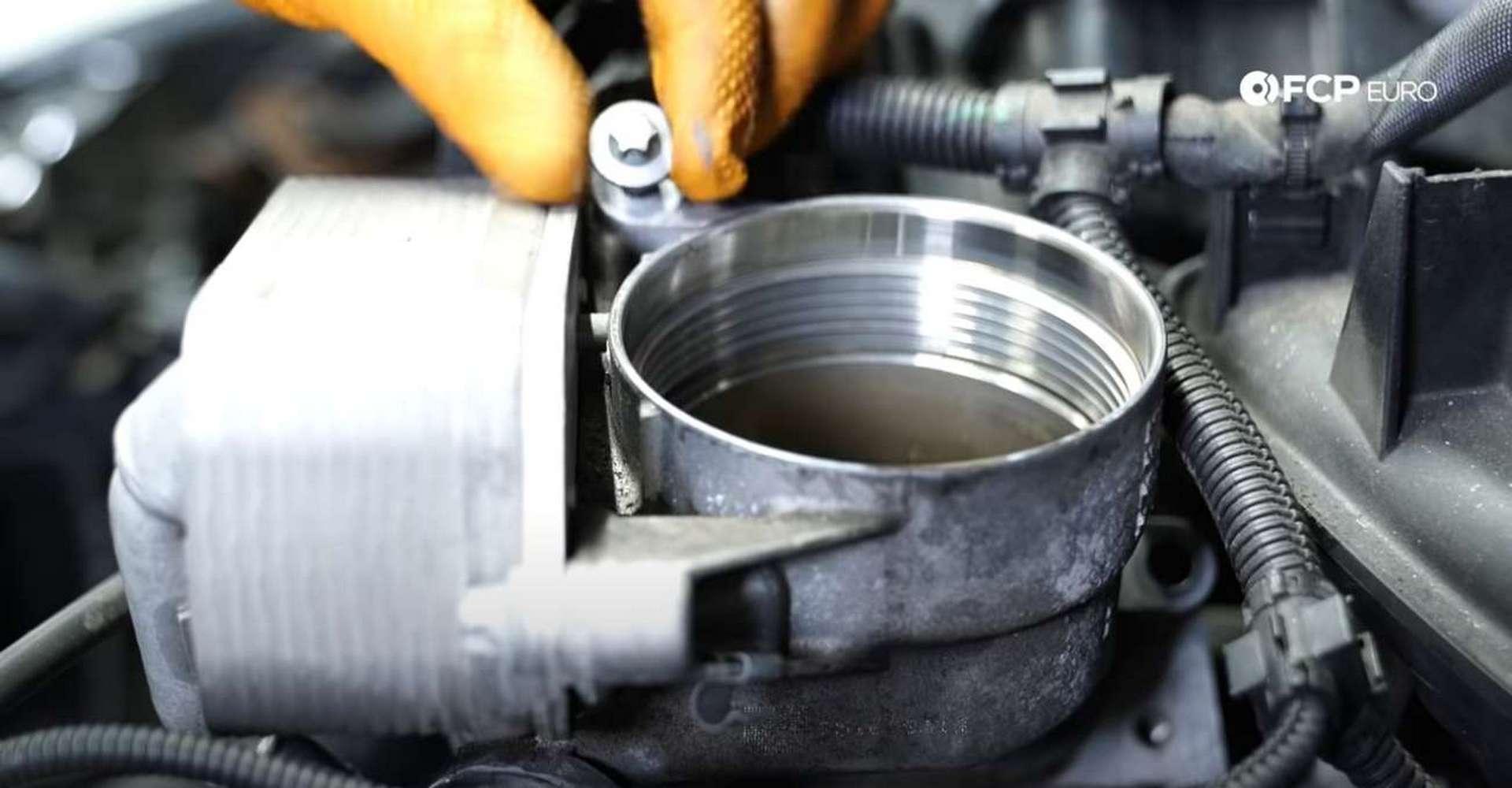 DIY BMW F30 Oil Filter Housing Gasket Replacement remaining oil filter housing bolt location