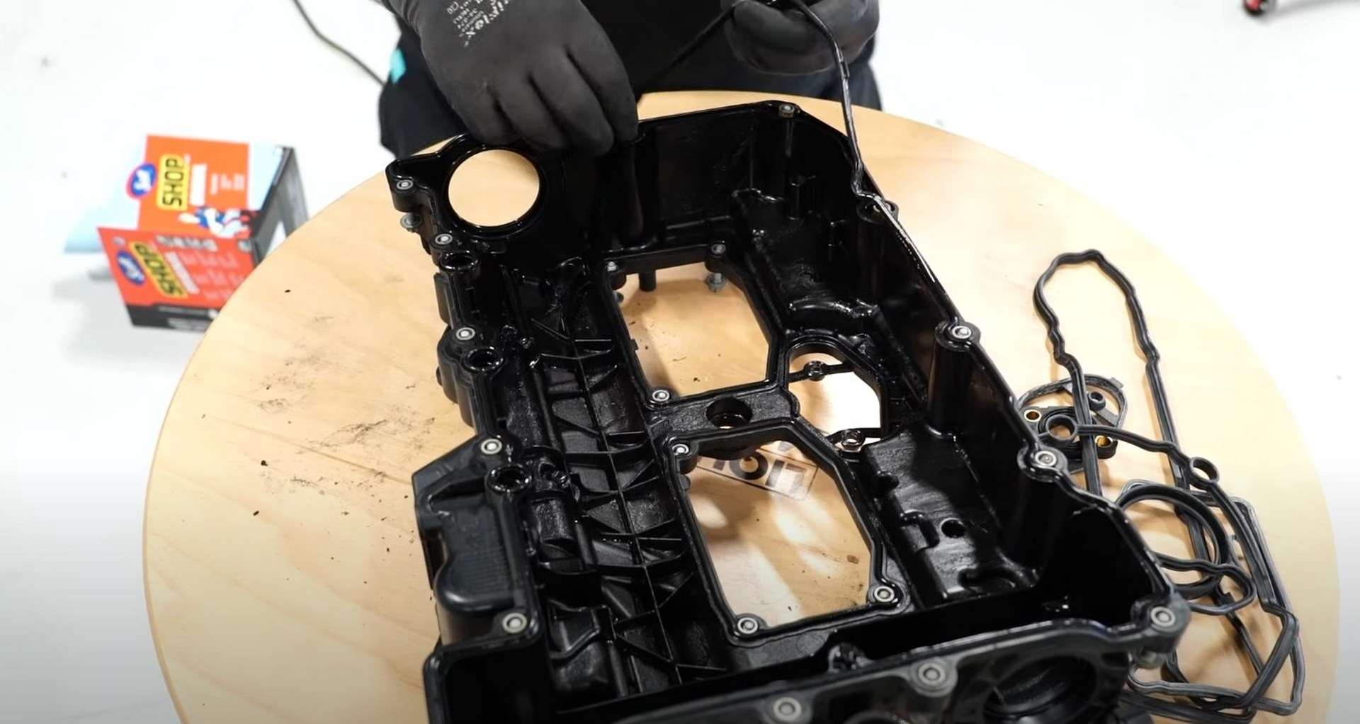 22-DIY-BMW-F30-Valve-Cover-Replacement_Replacing-Valve-Cover