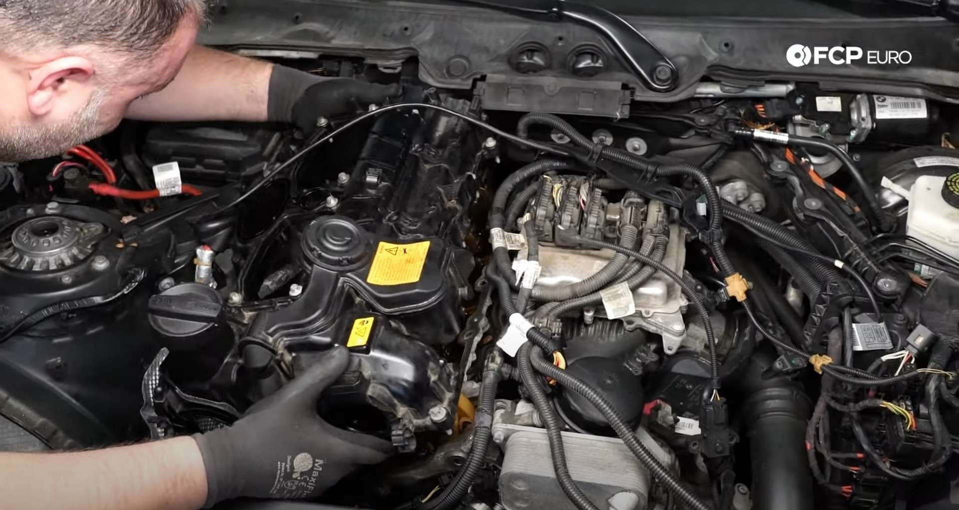27-DIY-BMW-F30-Valve-Cover-Replacement_Replacing-Valve-Cover