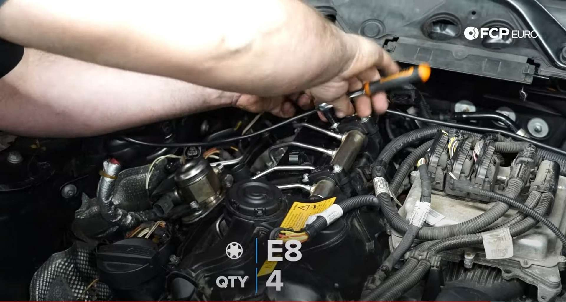 36-DIY-BMW-F30-Valve-Cover-Replacement_Refitting-Fuel-System