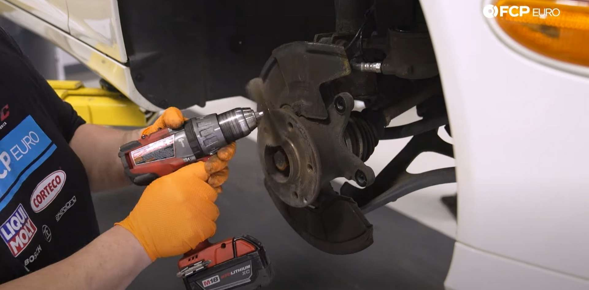 DIY Mercedes W203 Front Brake Service cleaning the hub