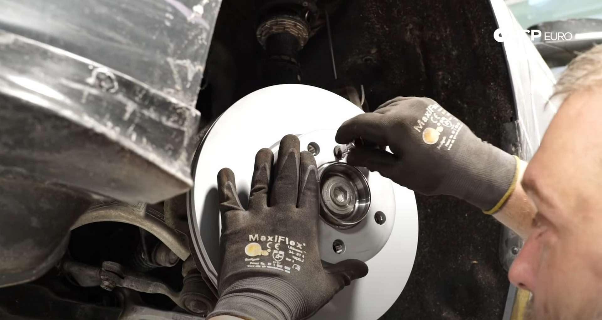 06-DIY-BMW-F30-Front-Brake-Service_Replacing-The-Rotor