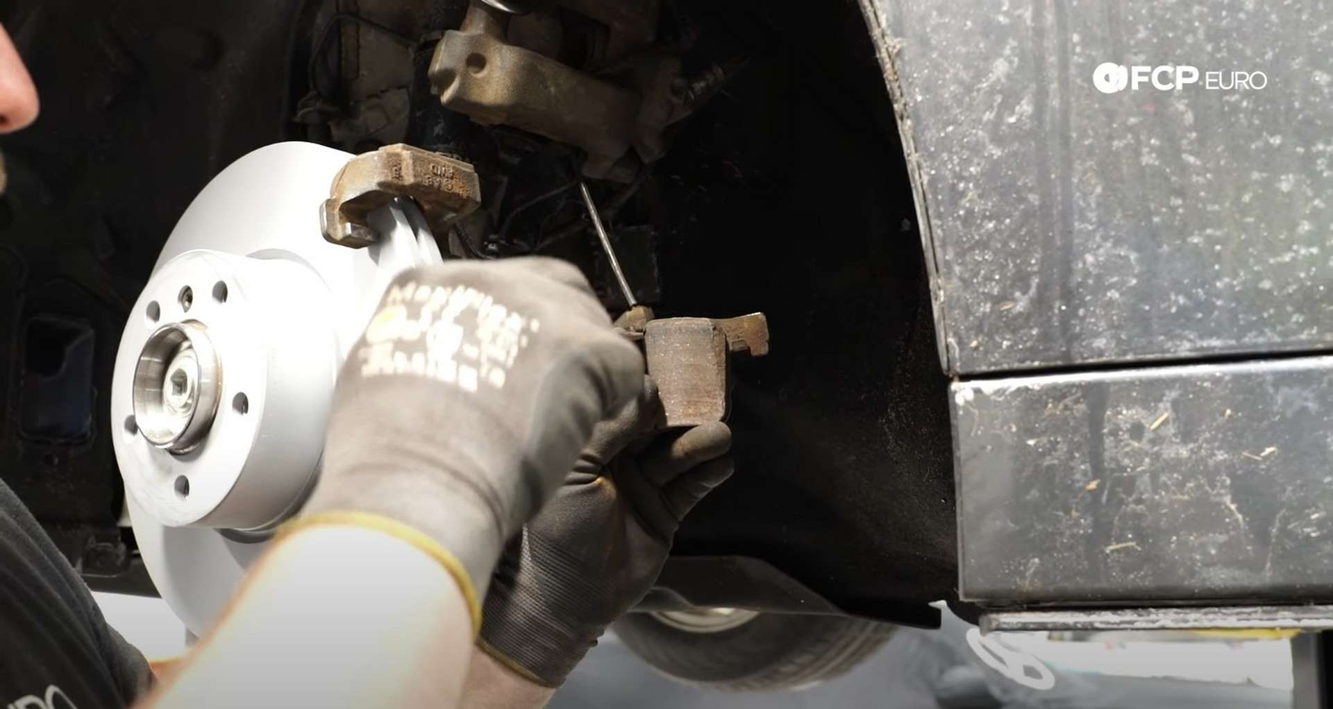 07-DIY-BMW-F30-Front-Brake-Service_Refitting-The-Caliper