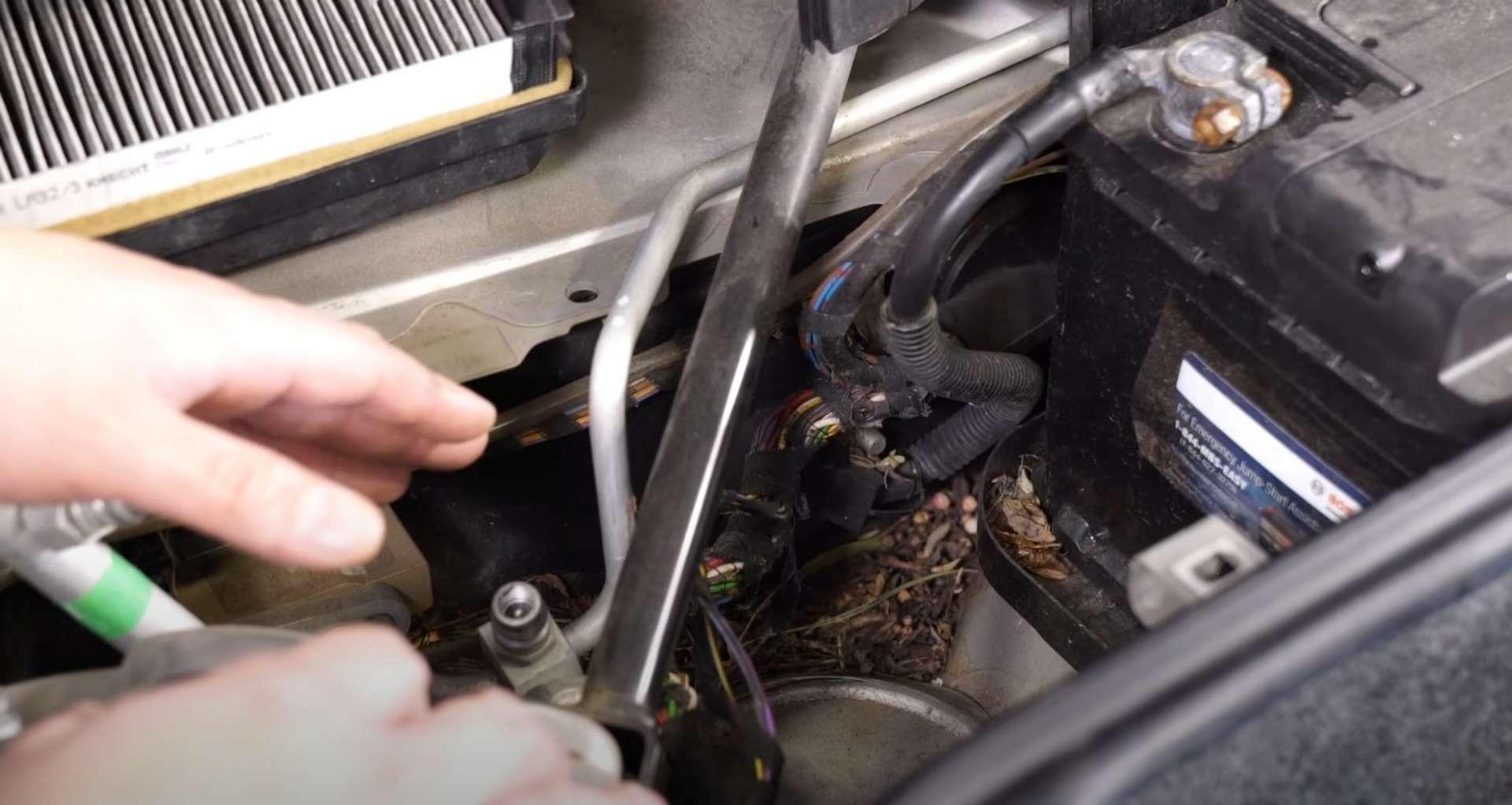 05-DIY-Porsche-996-Cabin-Filter_Replacing-Filter