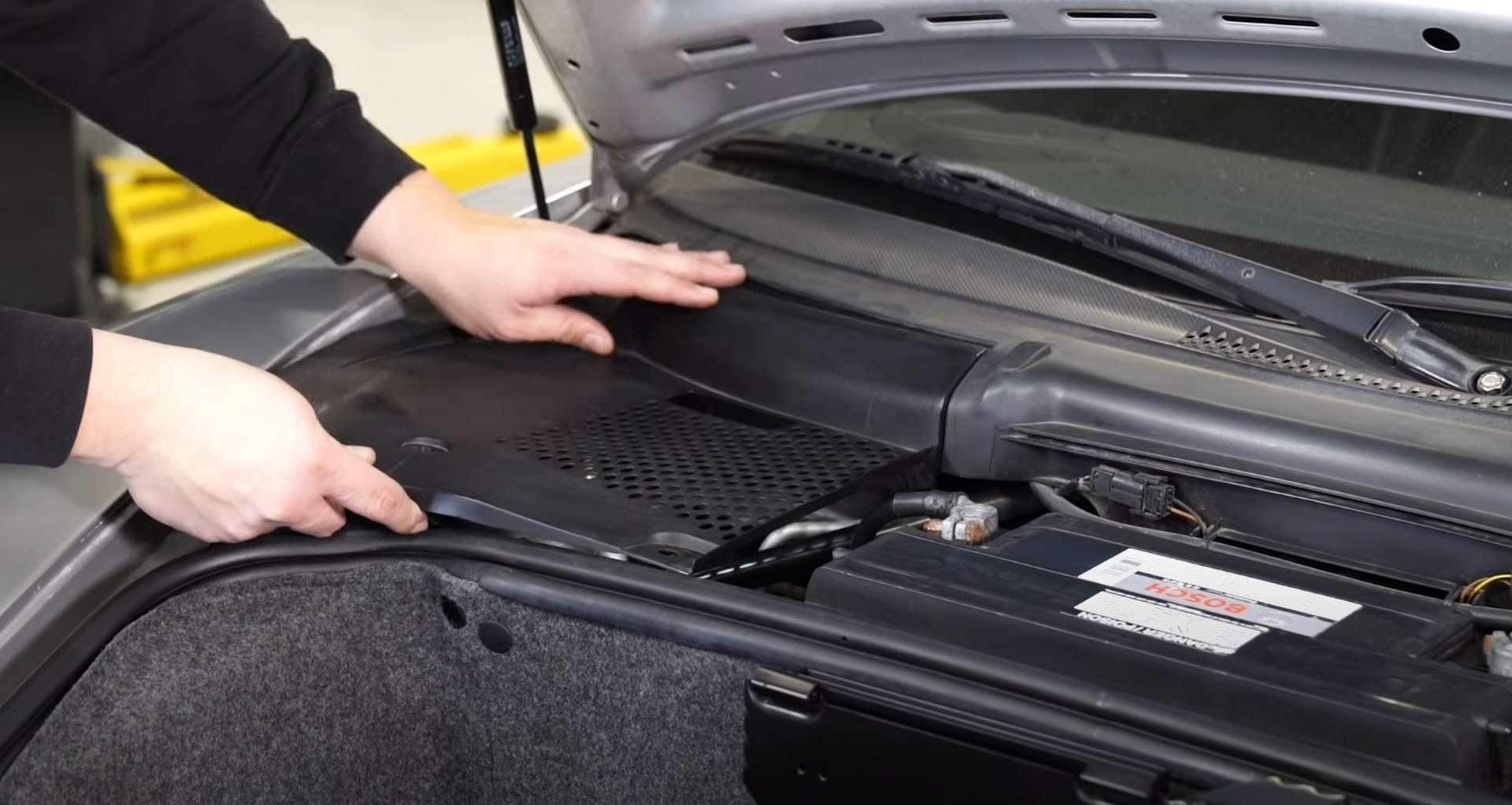 09-DIY-Porsche-996-Cabin-Filter_Refitting-Cowl