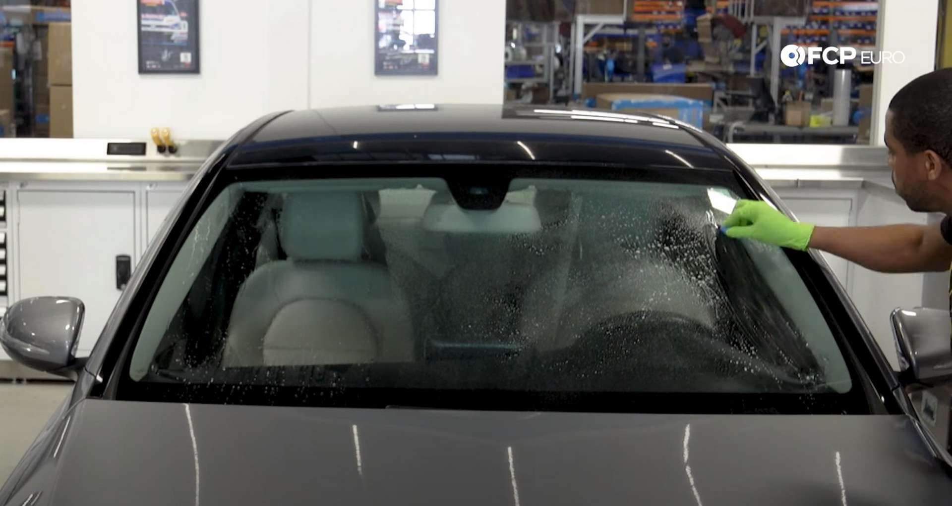 DIY Mercedes-Benz W205 Wiper Blade Replacement claying the glass