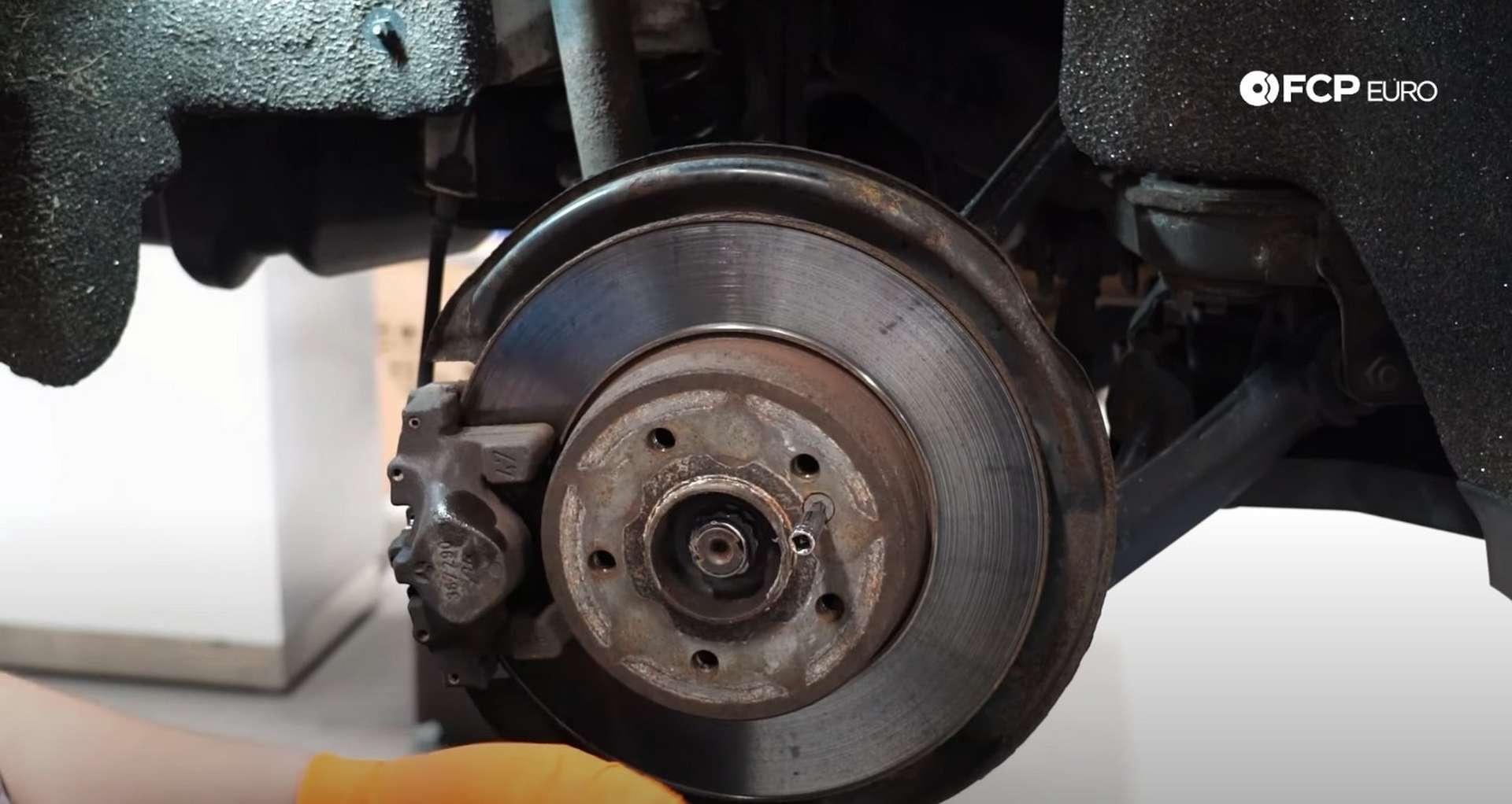 02-DIY-Mercedes-W203-Rear-Brake-Service_Removing-Caliper