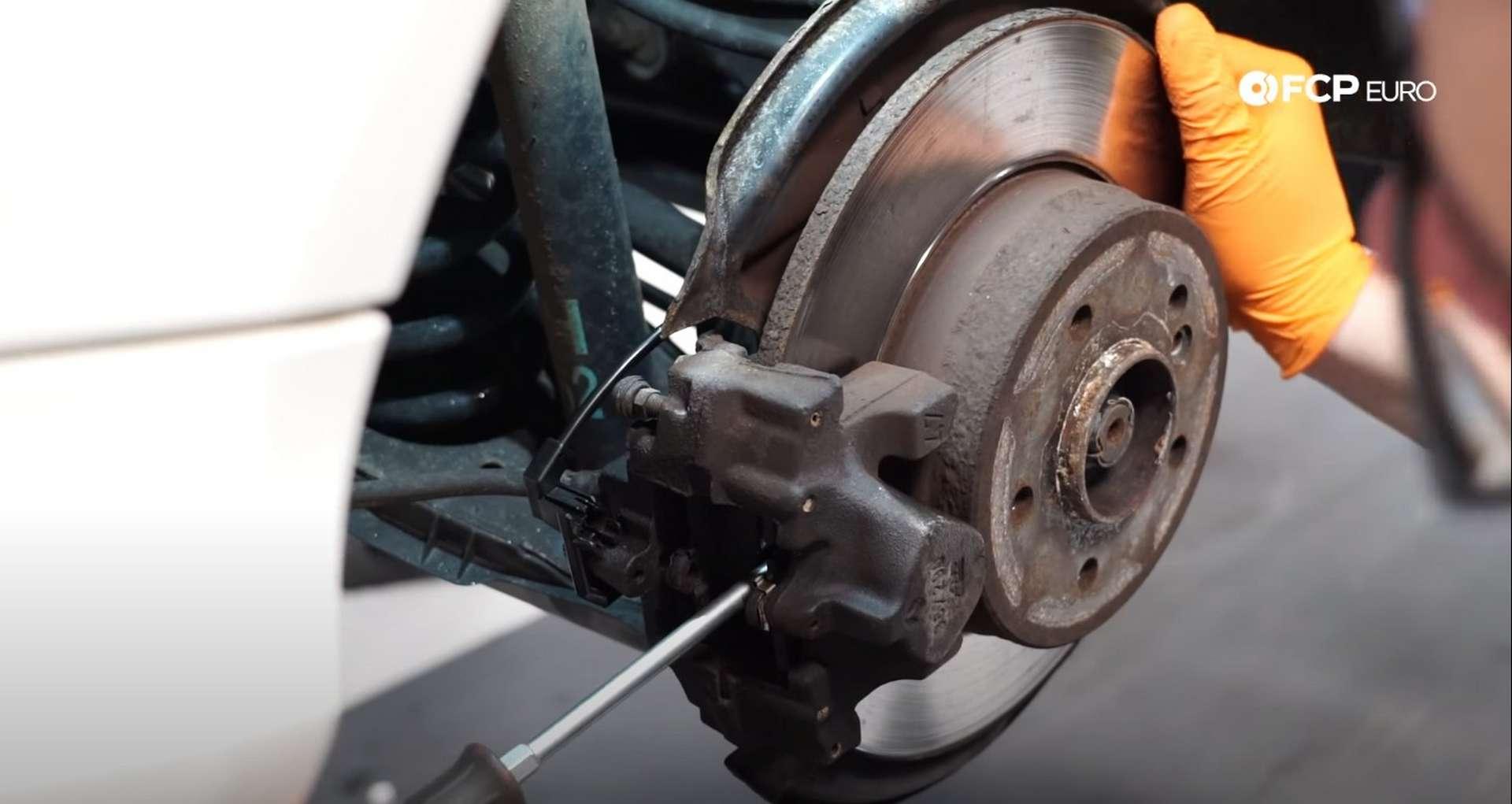 04-DIY-Mercedes-W203-Rear-Brake-Service_Removing-Caliper