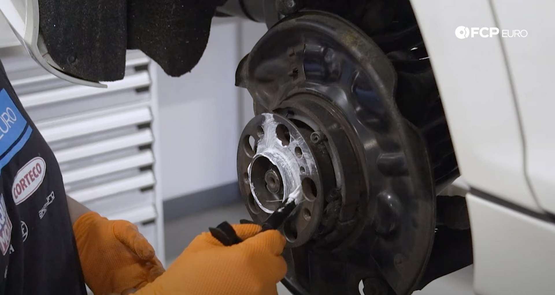08-DIY-Mercedes-W203-Rear-Brake-Service_Replacing-Rotor