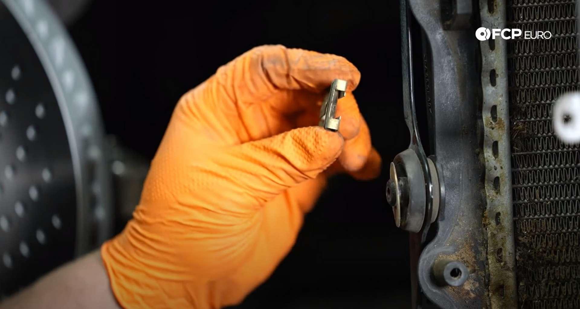 DIY Porsche 996 Radiator Replacement removed radiator bracket clips