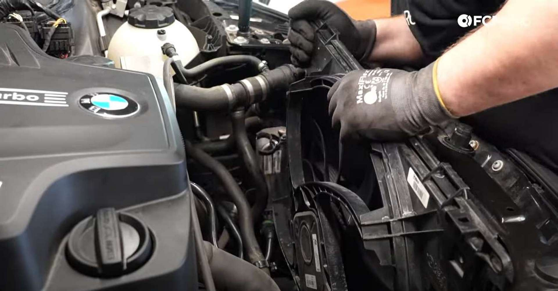 DIY BMW F30 Radiator Replacement transmission oil cooler tab