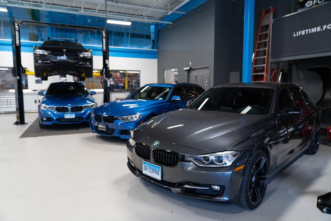 EVERGREEN BMW E90 VS F30 F30 group shot