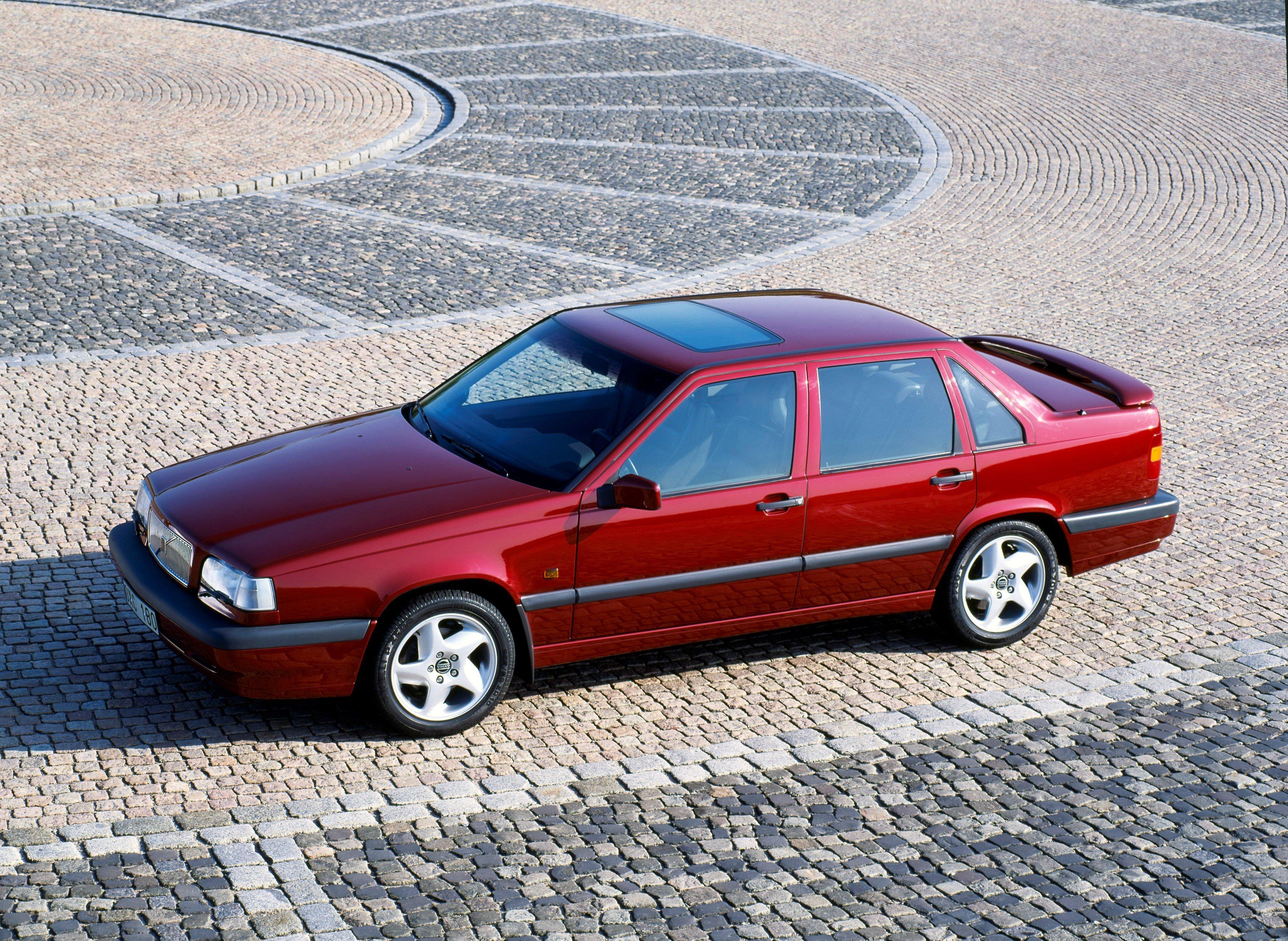 Affordable Vintage Models Volvo 850 Turbo front 3-quarter sedan