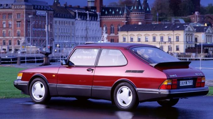 Affordable Vintage Models Saab 900 Turbo rear 3-quarter