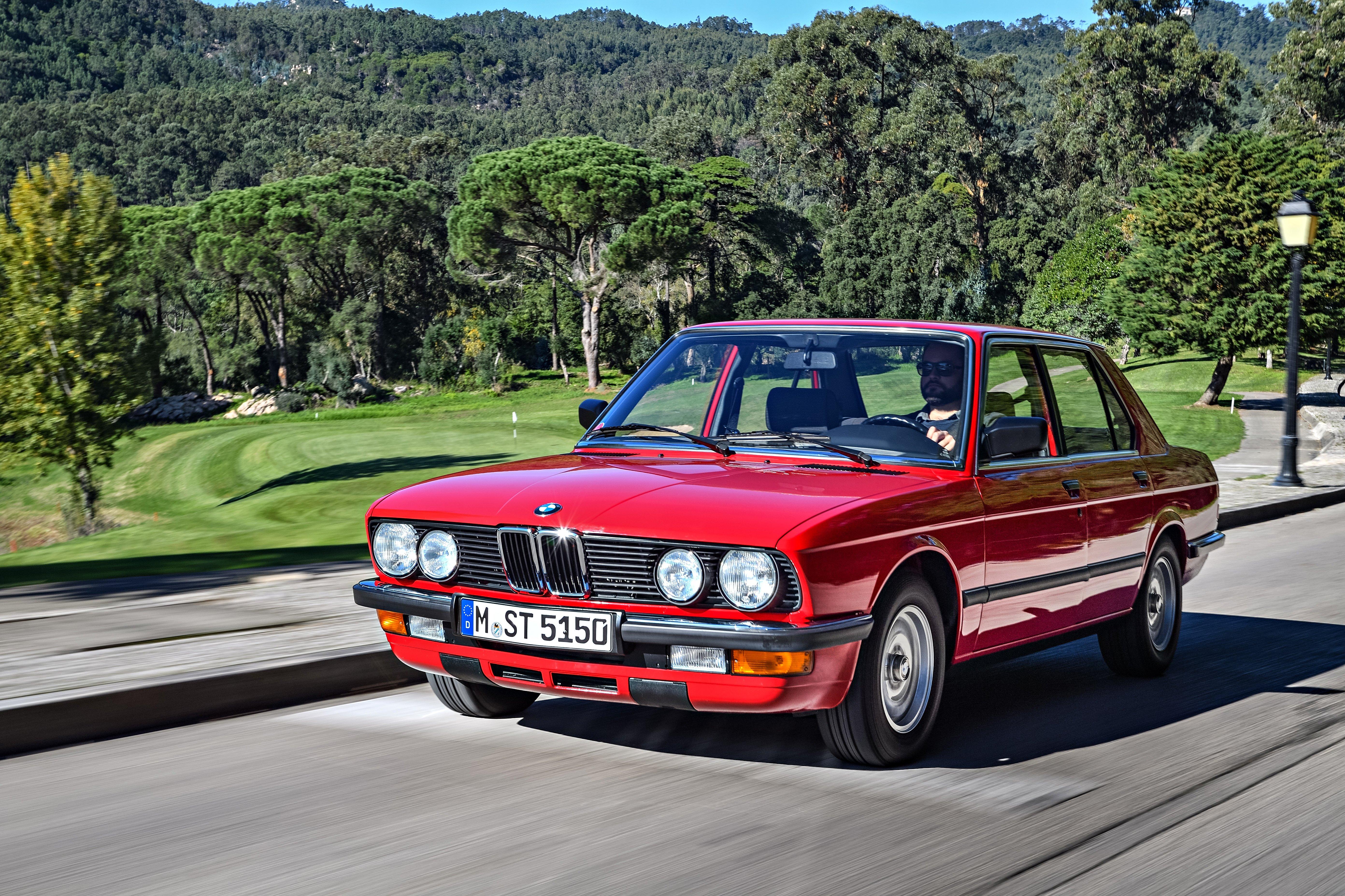 Affordable Vintage Models BMW E28 front 3-quarter