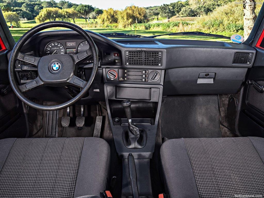 Affordable Vintage Models BMW E28 interior