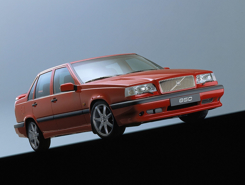 Affordable Vintage Models Volvo 850 Turbo front 3-quarter