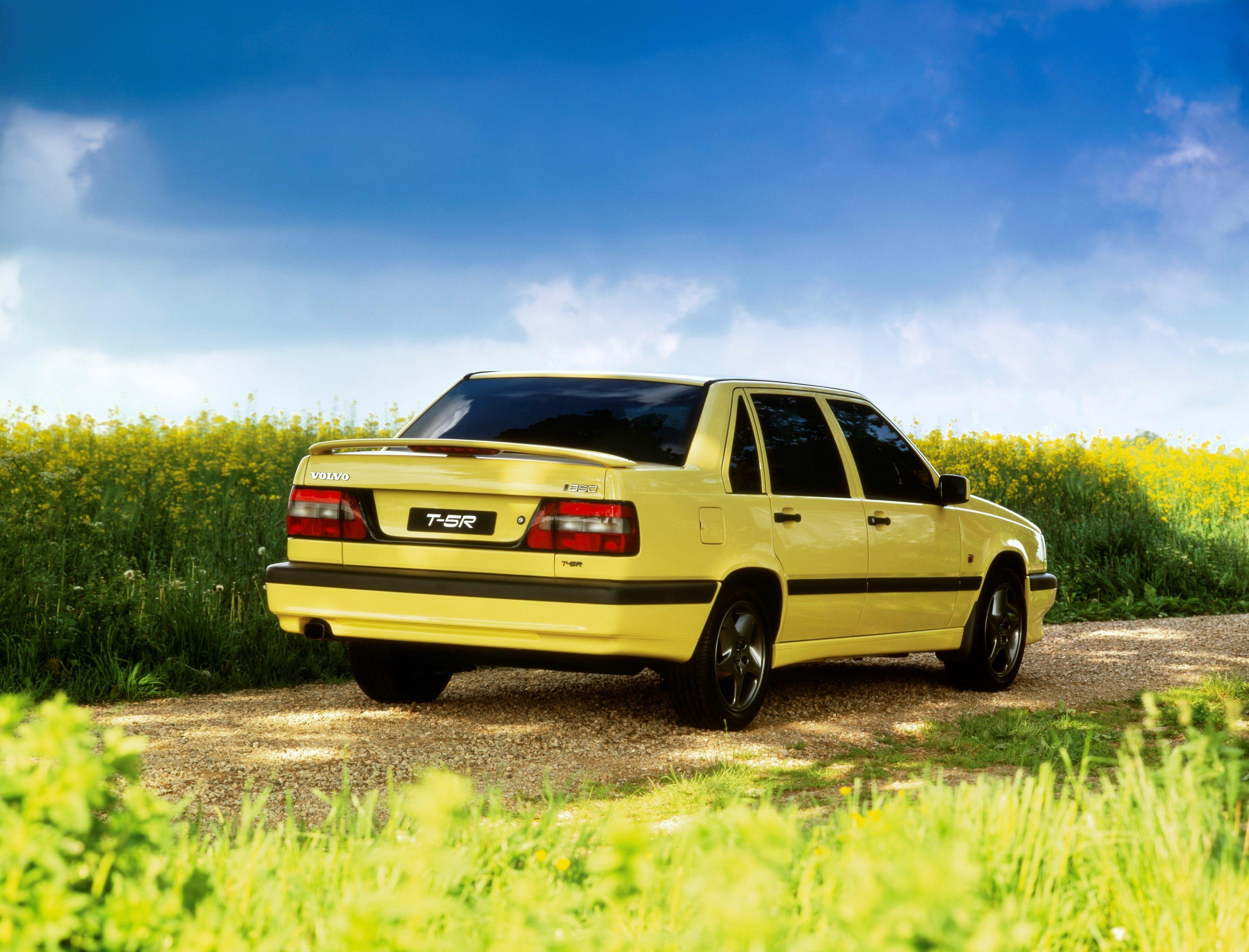 Affordable Vintage Models Volvo 850 Turbo rear 3-quarter