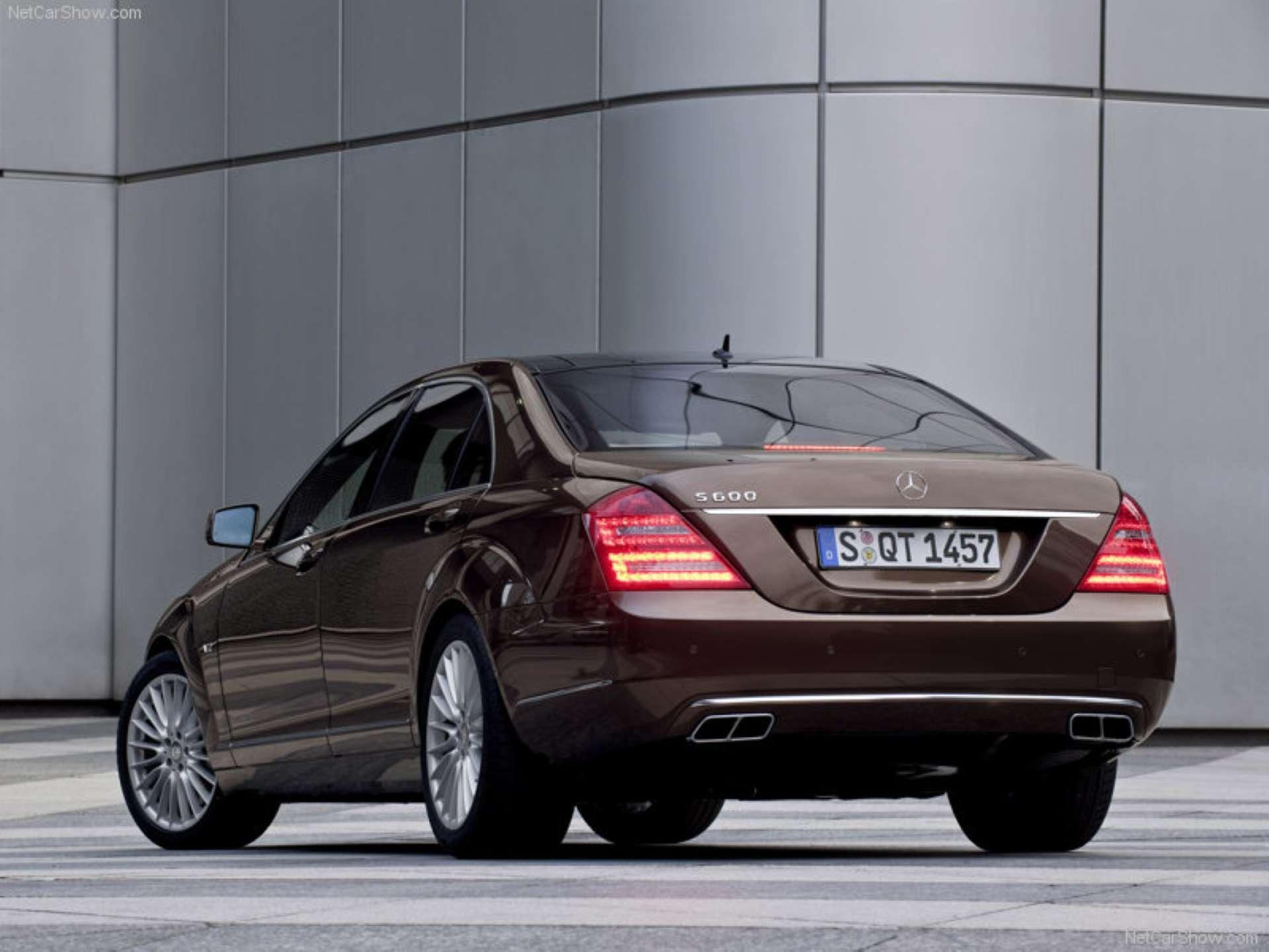 Best RWD Cars under 25K Mercedes-Benz W221 rear