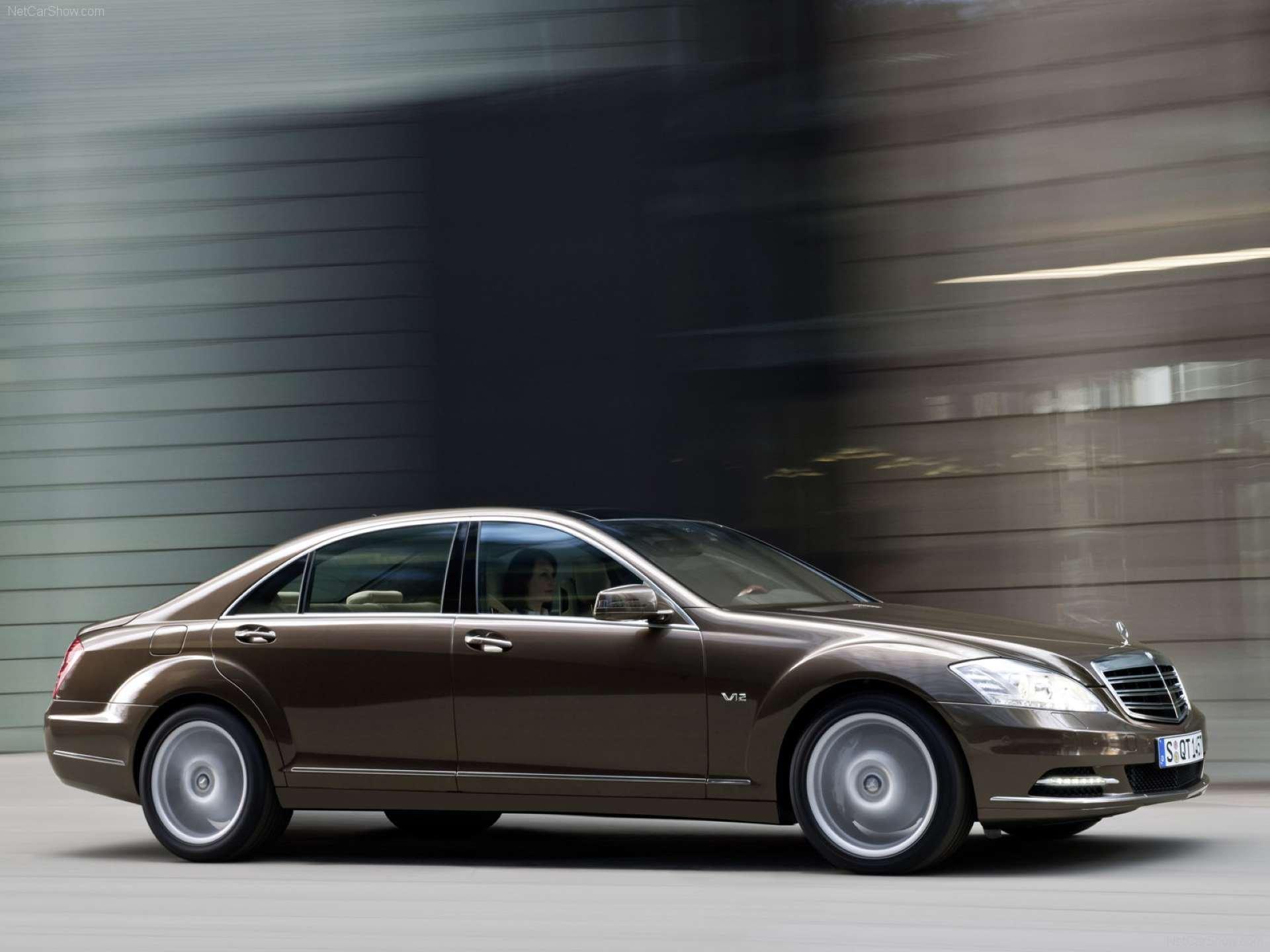 Best RWD Cars under 25K Mercedes-Benz W221 side