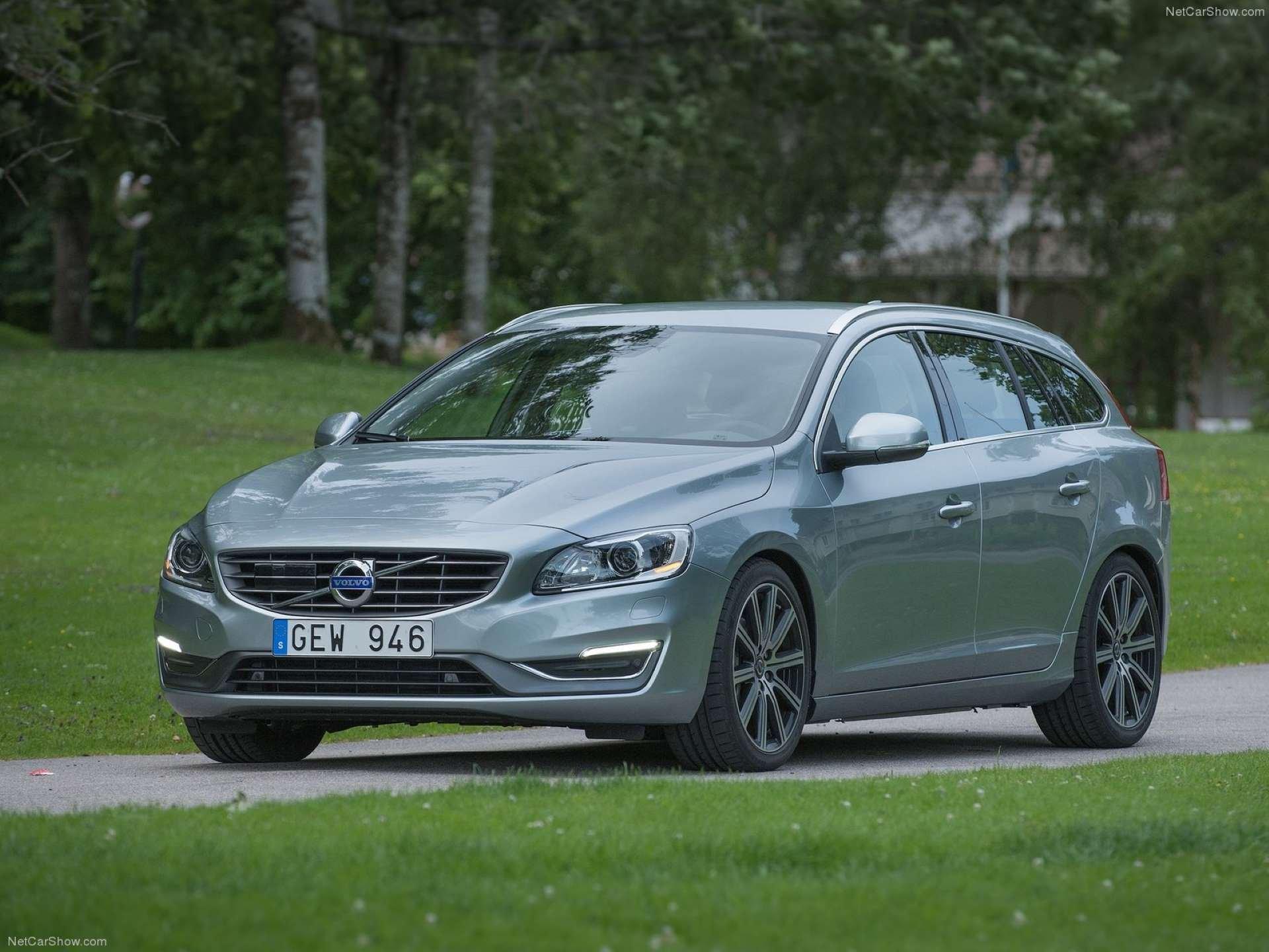 Best FWD Under $25k Volvo V60 front three-quarter