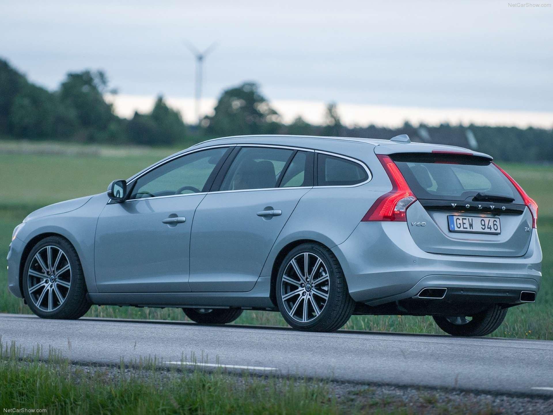 Best FWD Under $25k Volvo V60 front rear-quarter