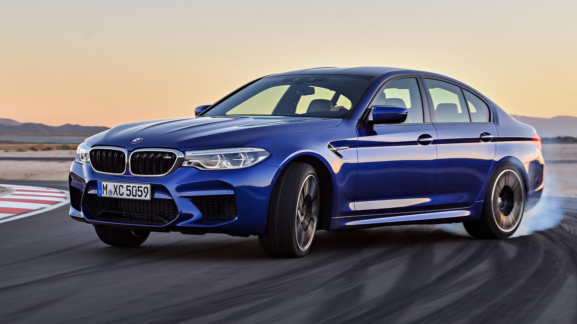 2018 BMW M5 Drifting